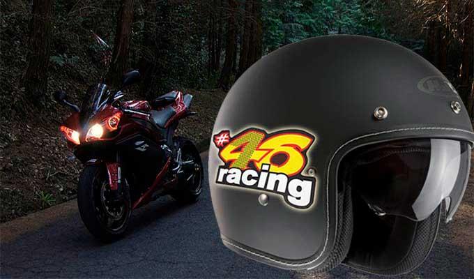 Autocollant réfléchissant sur casque de moto