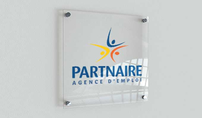 Plaque professionnelle en plexiglas transparent